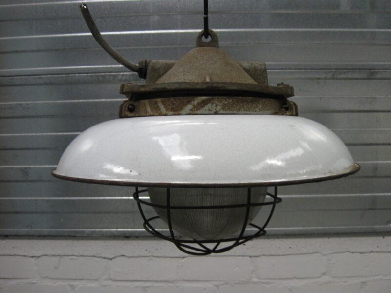 industriele lampen kooilamp no b 16 landzicht houtsberg. Black Bedroom Furniture Sets. Home Design Ideas
