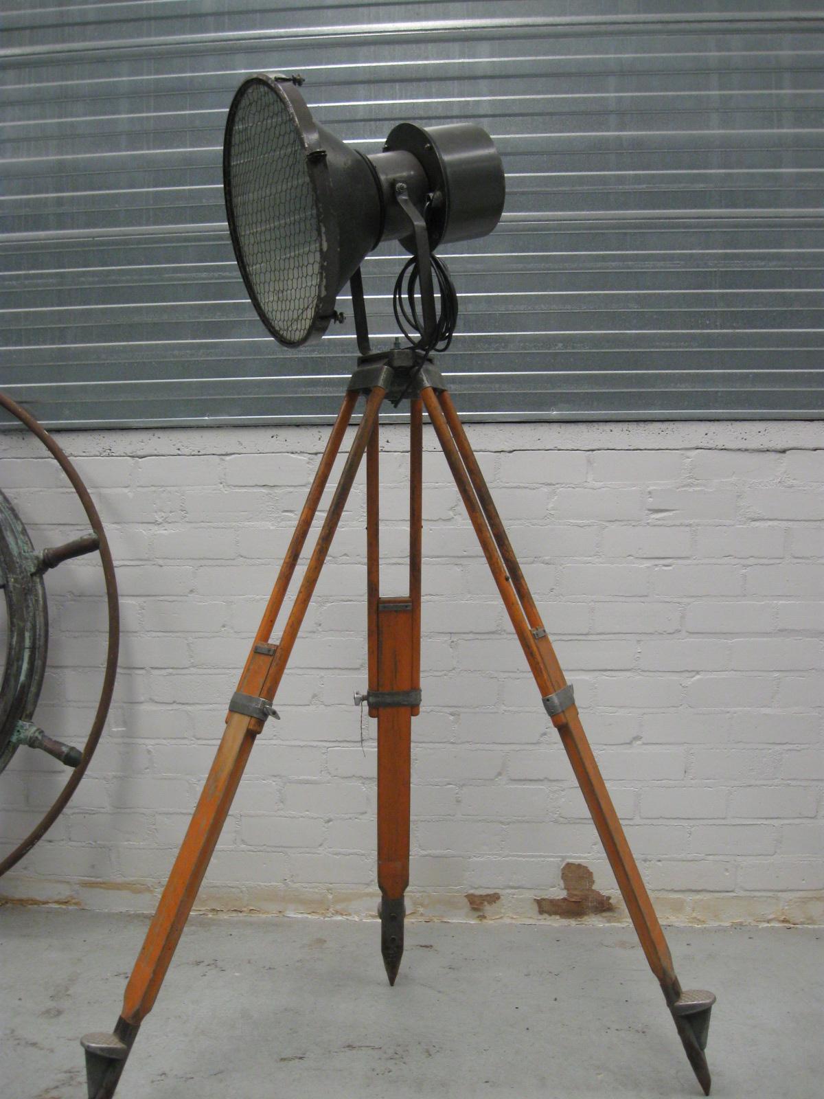 Industriele statieflamp vloerlamp no b 026 landzicht for Industriele vloerlamp