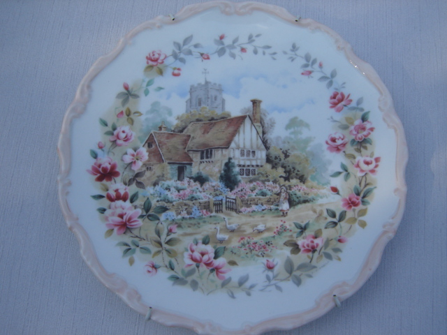 Royal Albert bone china England wandbordje The cottage garden year series 1984, Summer.