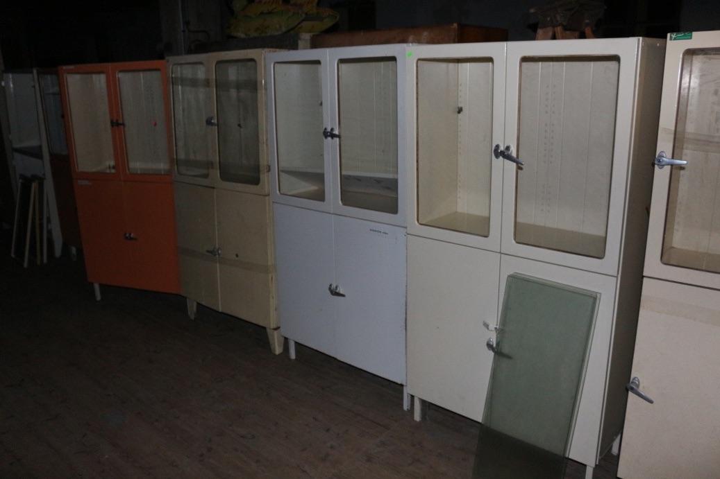 Amazing metalen kast consenza for meubels ideen with for Tweedehands design