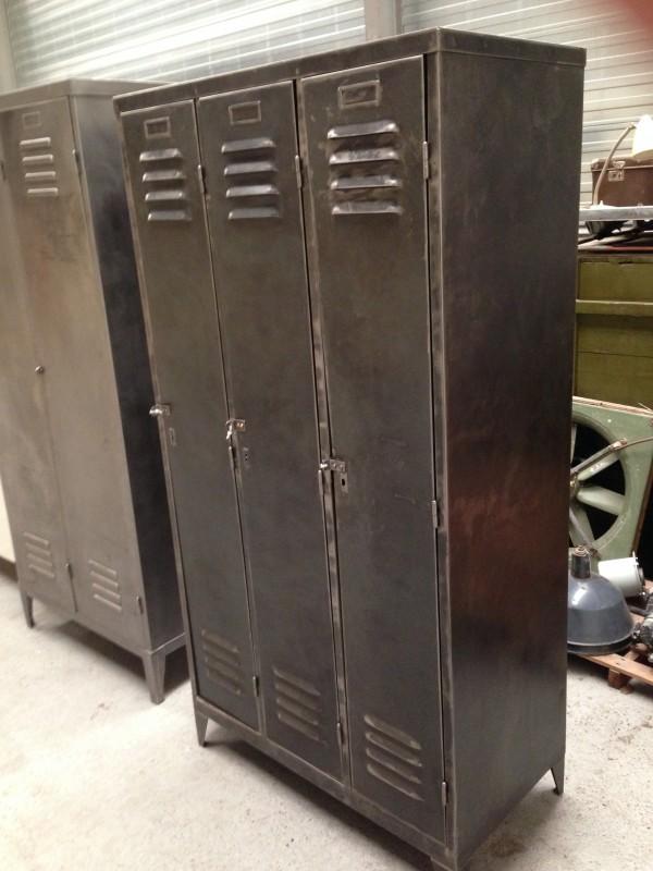 Antieke metalen kast home design idee n en meubilair inspiraties - Oude meubilair dressoir ...