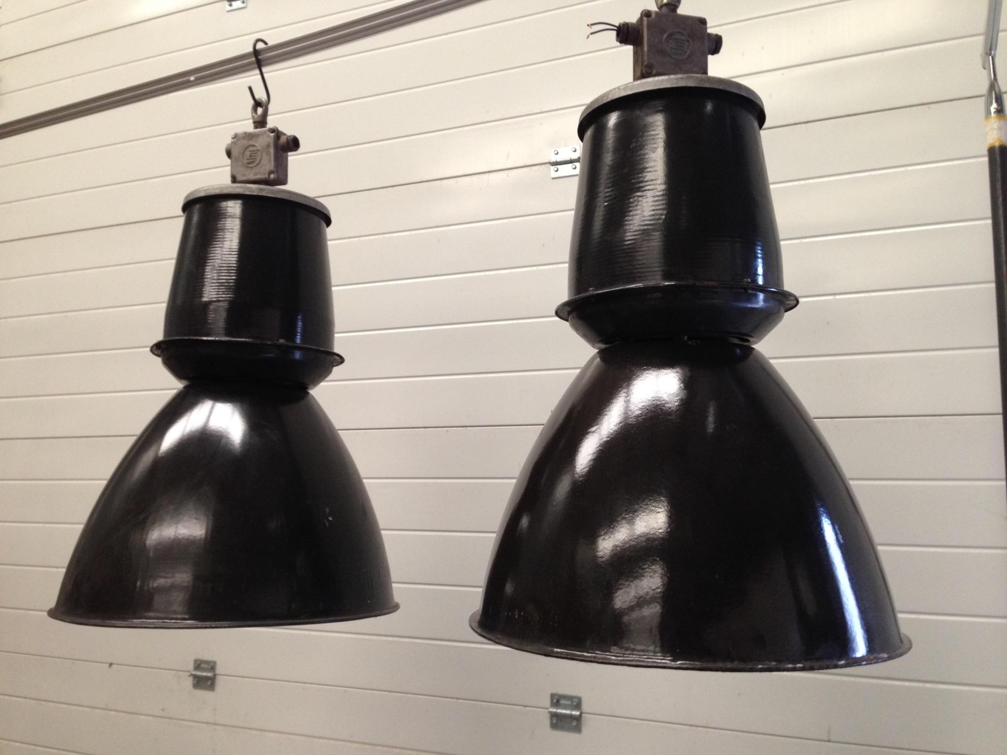 Gebruikte Industriele Lampen : Industriele lampen emaille lampen tjechie landzicht houtsberg