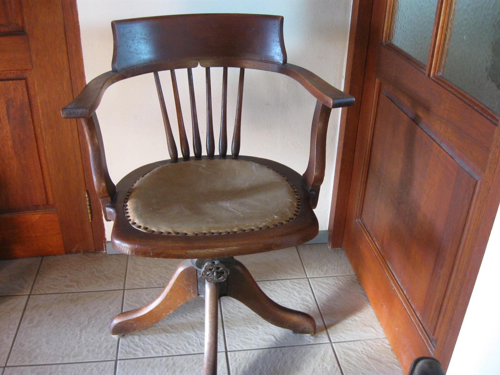 Antieke Bureau Stoel.Antieke Bureaustoel 046 Landzicht Houtsberg