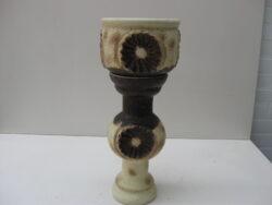 Vintage Duits keramiek bloempot op voet. Jaren 70. Goede gave staat. Bloempot diameter 25 cm, hoogte 20 cm. Voet hoogte 46 cm.