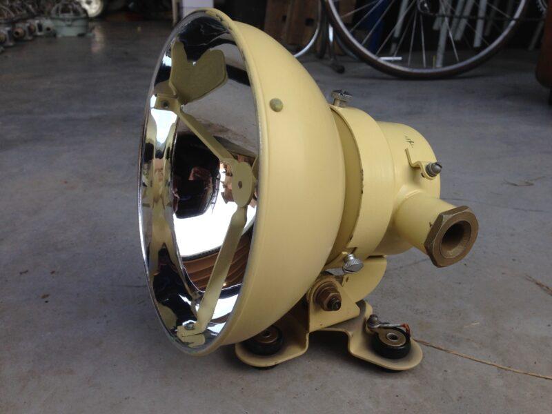 Industriele spot zoeklicht marinelicht oude lamp for Industriele spots