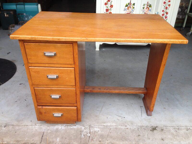 art deco bureau vintage bureau klein model landzicht houtsberg. Black Bedroom Furniture Sets. Home Design Ideas
