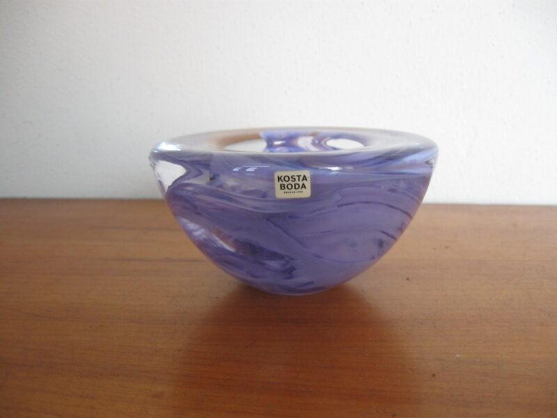 Kosta Boda glas waxinelichtjeshouderm paars