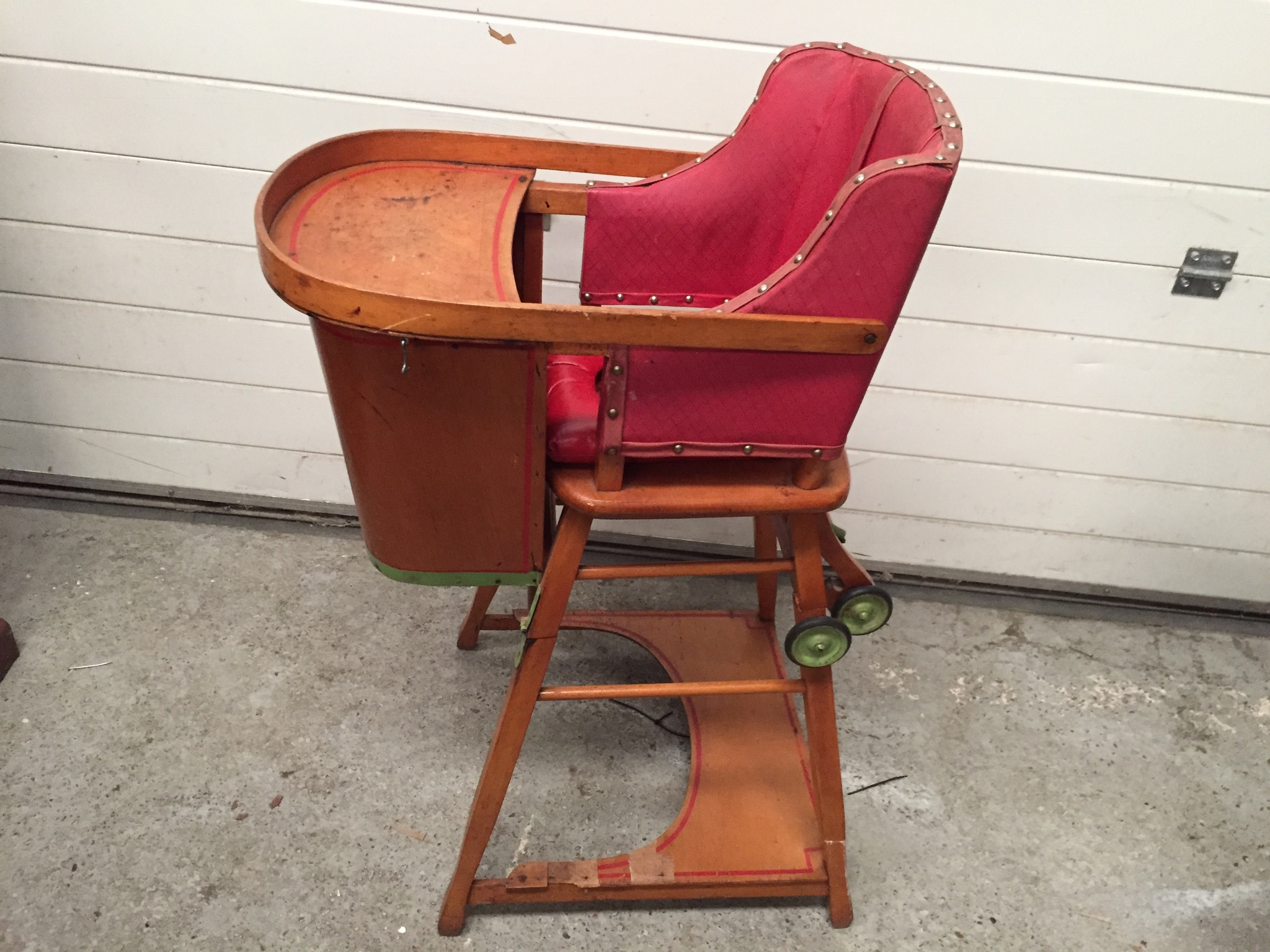 Ouderwetse Houten Kinderstoel.Antieke Kinderstoel Houten Kinderstoel Landzicht Houtsberg