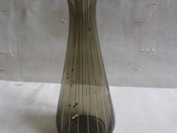 Zwiesel Kristall vintage jaren 50 glazen vaasje. Rookglas met gouden streepjes en rondjes.