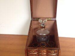 Vintage karaf en 6 glazen in doos boekvorm jaren 70