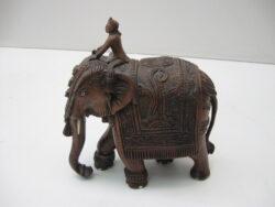 Balinees houtsnijwerk olifant met berijder