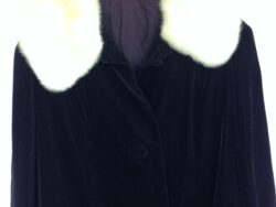 Vintage winterjas dames jaren 50/60 velvet met bontkraag