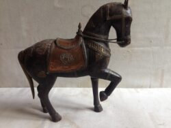 Paard India hout met koper beslag