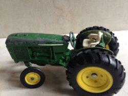 ERTL tractor metaal