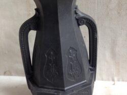 Wedgwood stijl black basalt