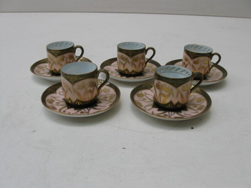 Vintage antieke koffiekopjes hand beschilderd