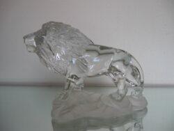 Kristal beeld leeuw op voet
